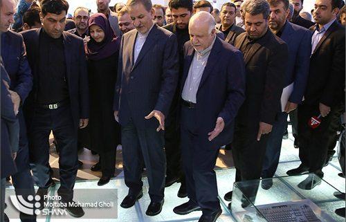 معاون اول رئیس جمهوری از نمایشگاه ایران پلاست بازدید کرد